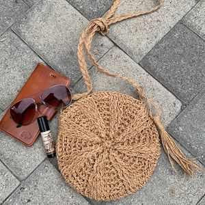 Handbags - ✨SMALL CIRCULAR WOVEN STRAW CROSSBODY BAG✨